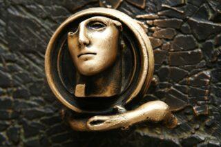 sculpture-340321_1280