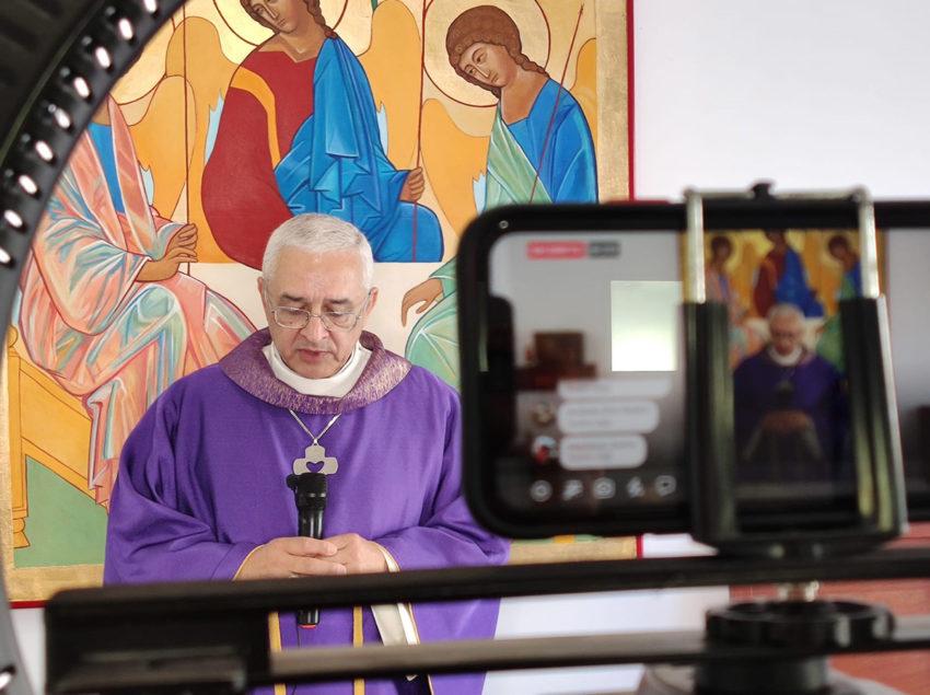 20200325-missa-curia-igreja-em-rede - Cópia