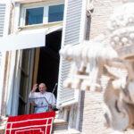 A Palavra do Papa: a mão de Jesus estendida, Líbano e Hiroshima