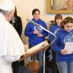 """A Palavra do Papa: catequese aberta, a """"singular"""" autoridade, a proteção das mulheres e a presença na liturgia"""