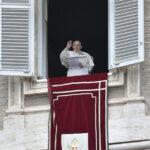 A Palavra do Papa: a Pessoa viva, a oração com voz, a vacinação universal e a maratona do terço