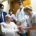 A Palavra do Papa: a recuperação física, a saúde para todos e o cardeal dos pobres
